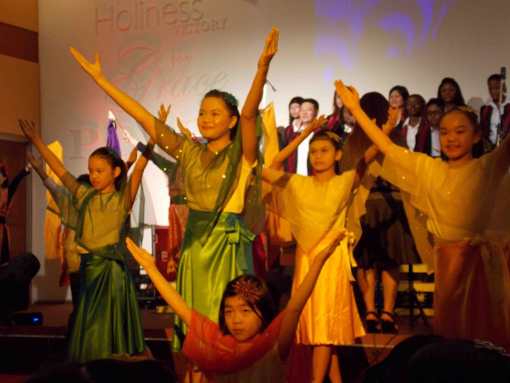 a soulful choir with graceful and talented dancers praise city kl told the greatest story ever toldthe story of jesus being bornwith flavor - Christmas Praise Dance