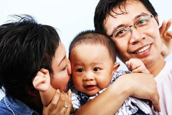 happy-asian-family
