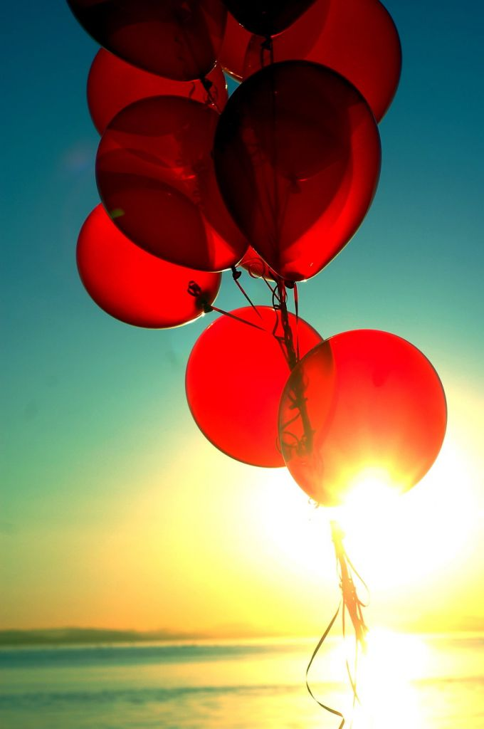 99__oh__no__13_red_balloons_5_by_samgoesdown