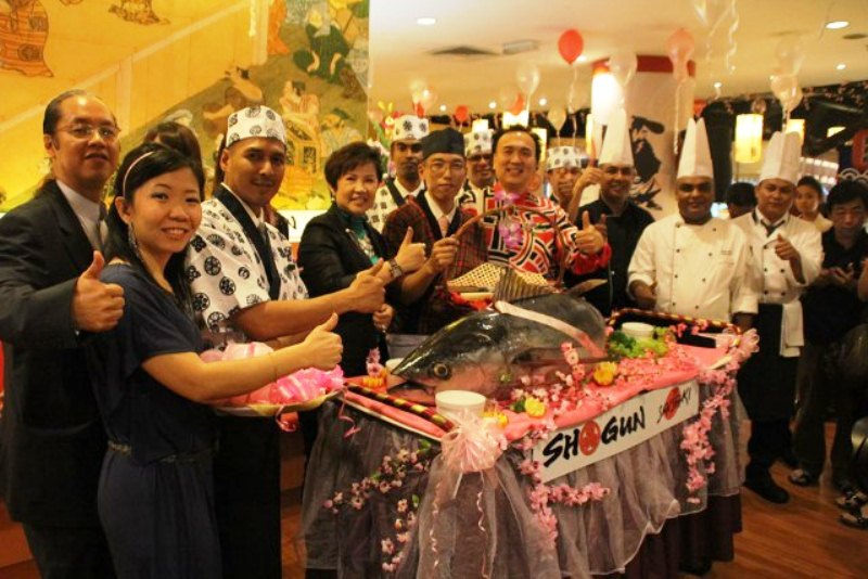 Dato Sri Michael and wife, with the outlet chefs