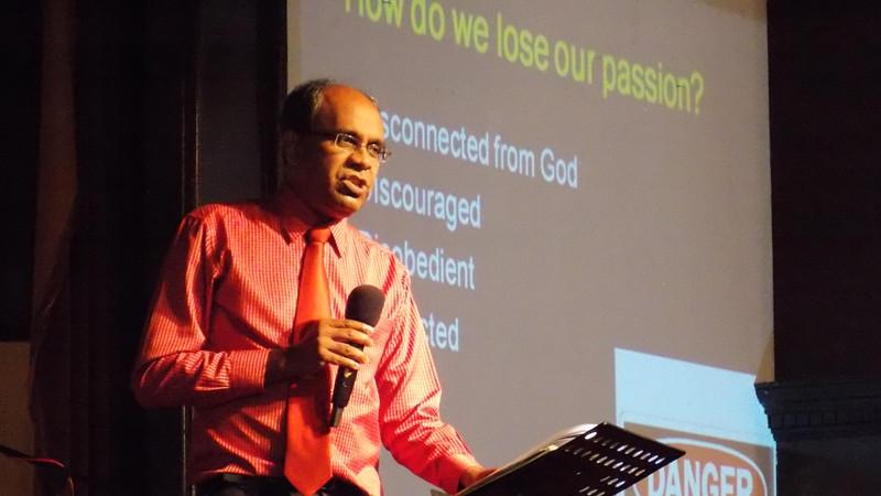 Pastor Suresh Sundram 分享神的话语