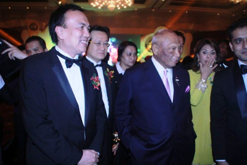 Dato Sri Michael with Tuanku Sultan Pahang