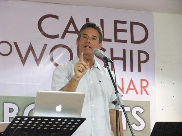 Bob Fitts at the Called to Worship seminar, Kota Padawan