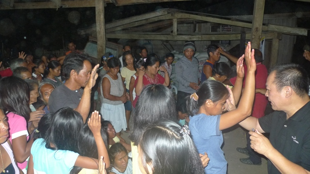 Many young people came for prayer and received the Holy Spirit