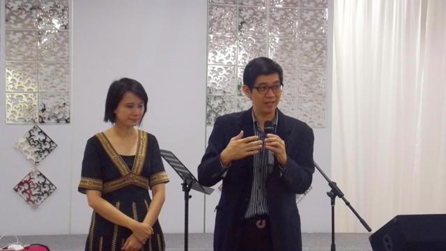 Dr. Heng and his wife upfront