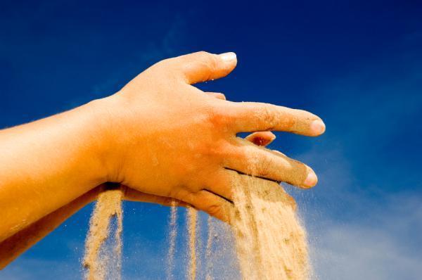 hand-sand