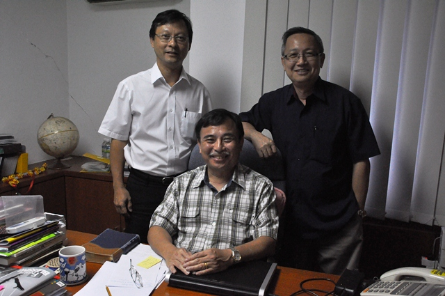 From left to right: Pr Lawrence Chen, Pr Jeremiah Yap, Pr Ron Hee