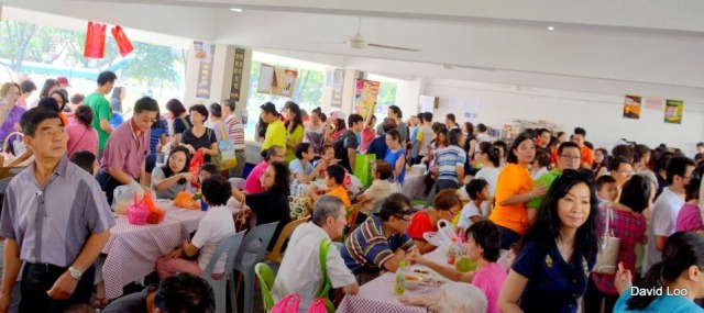 The crowd around the food stalls
