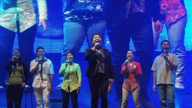 Semoa Orang Asli group with Meisya Malonda and Norita Uluk