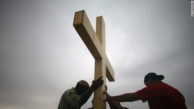 aurora-wooden-cross-story-top