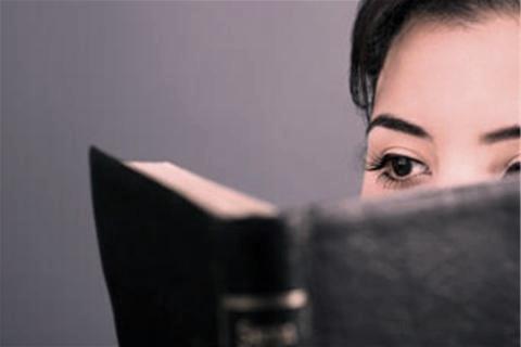 7_girl-reading-bible