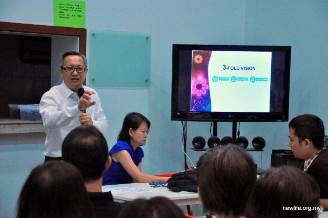 Sr Pr Ron Hee of NLRC explaining about the 3-vision of NLRC PJ
