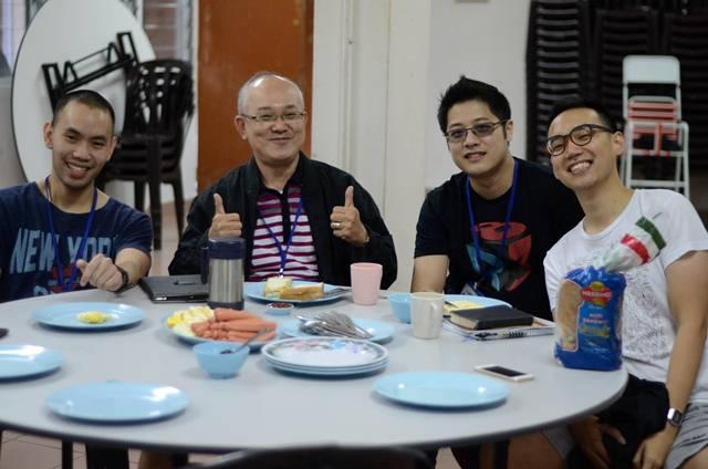Lim Kah Hooi having breakfast with the participants of DUMC Faith@Work Bootcamp