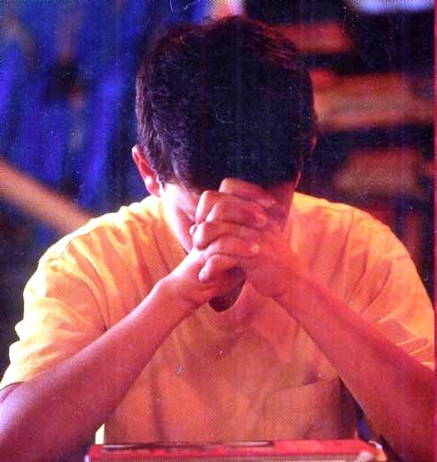 student-praying