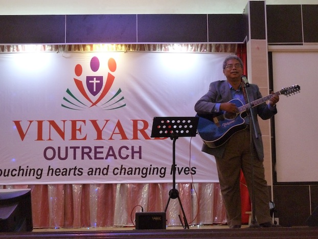 Pr Daniel Kumar singing Christians songs in seven languages