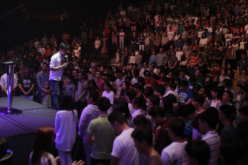 People respond to the altar call