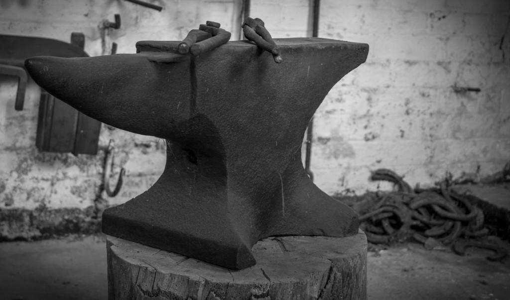 Blacksmiths_Anvil_(7958673070)