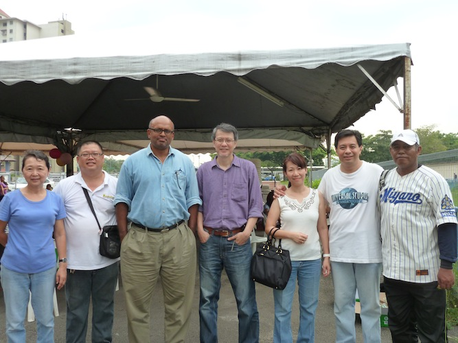 Volunteers of Hope EFC, with Leong Soon Chong (2nd from left) with Elder of Hope EFC David Tan (4th from left)