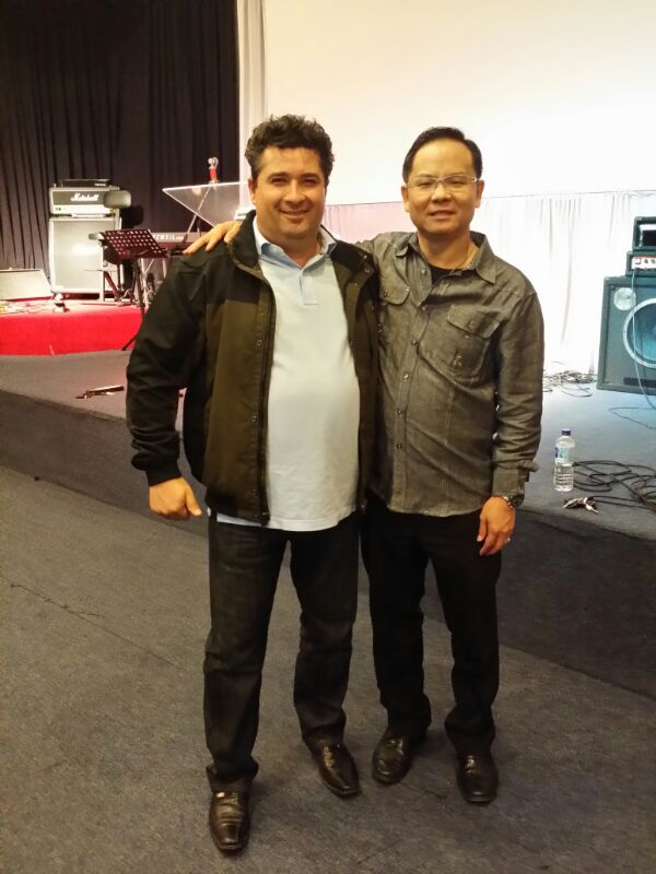 Pr Tony of Church for All Nations healed from buzzing sounds in his ears