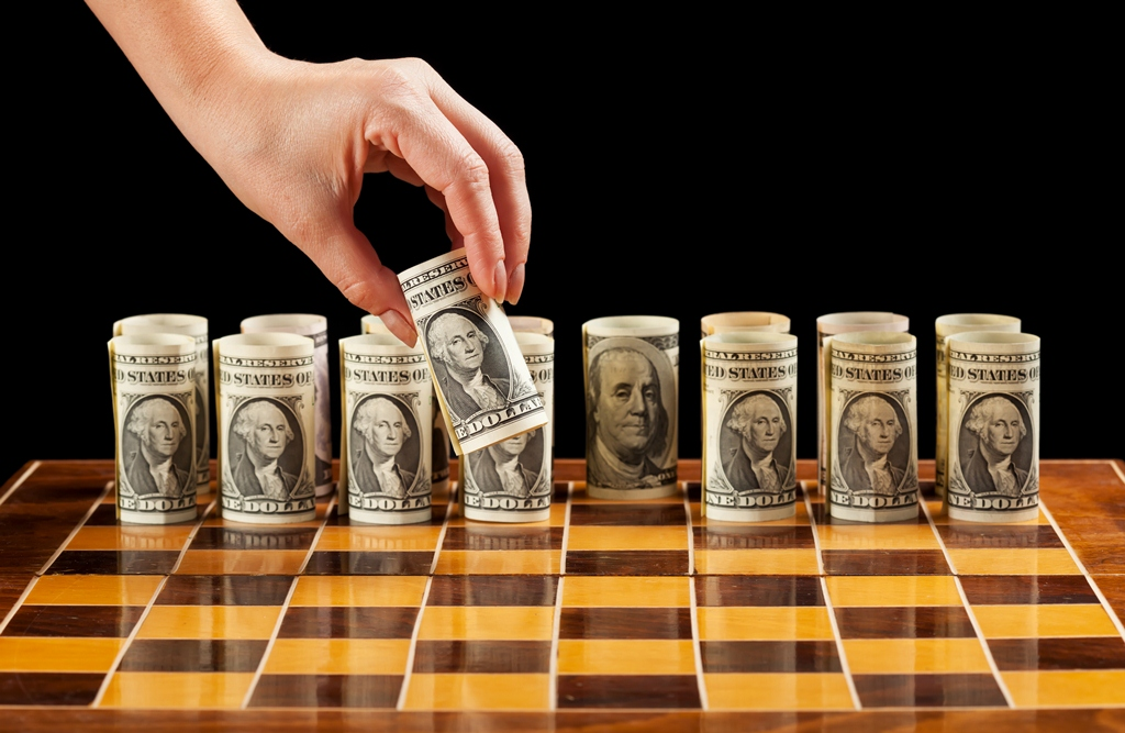 Ref: picturesofmoney | http://picturesofmoney.org/wp-content/uploads/2013/09/money-chess.jpg