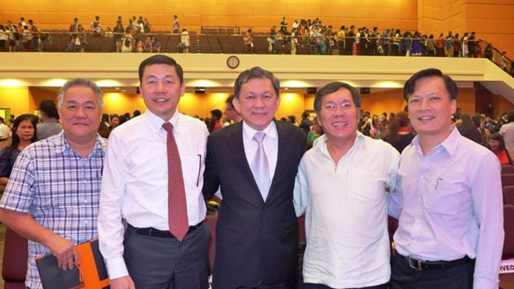 Rev Edmound (2nd from left) with Pr Ong Sek Leang of Metro Tabernacle AOG (Middle)