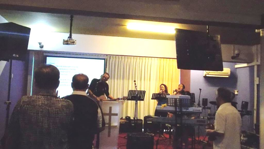 Praise and Worship at Faith Oasis Fellowship