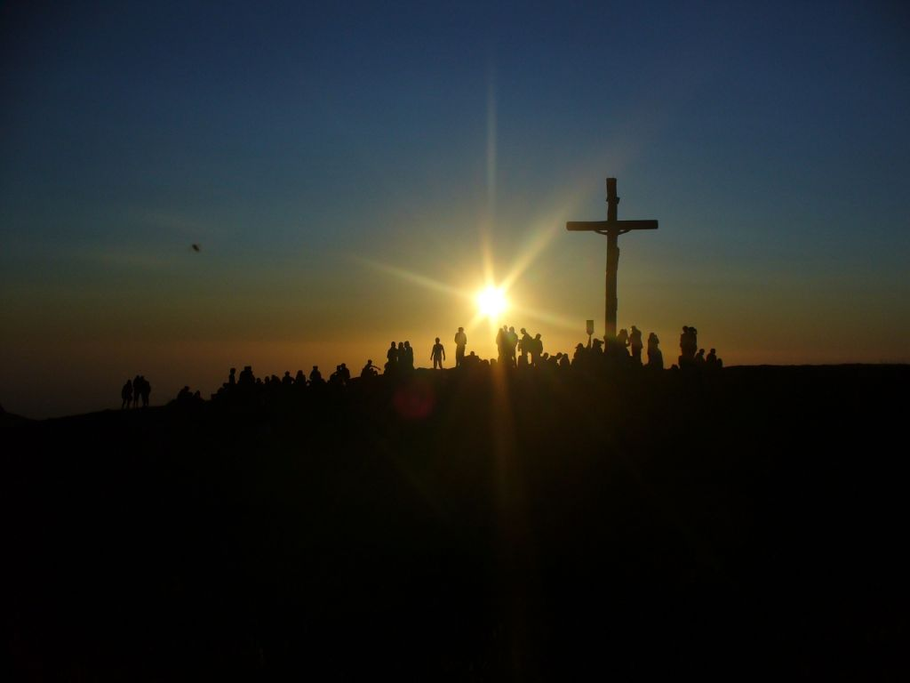 cross_in_the_sunrise_1_by_lbreda-d40cliv
