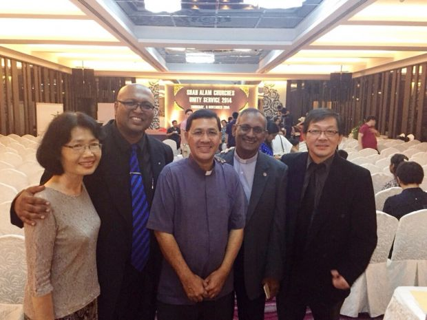 From left to right: Teresa Lai, Rev Sean Prasad, Rev Father Raymond Pereira, Rev Dr Hermen Shastri, Pr David Tham