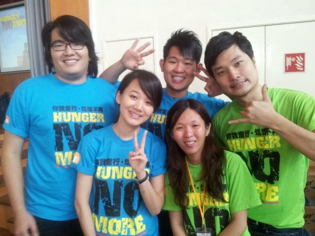 Jessy (2nd from left) with her husband Sean (1st from left) with her friends in the 30-hour famine camp in UCSI