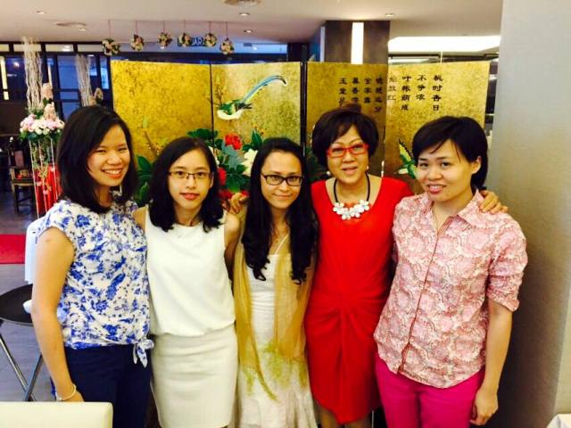 Dr Peggy Wong (second from right) as a mentor of her group