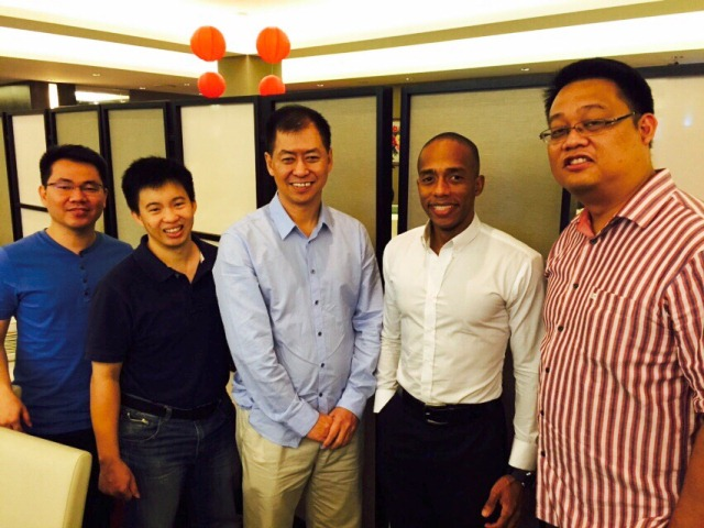 Rick Loh (middle) with the participants of the M2 program