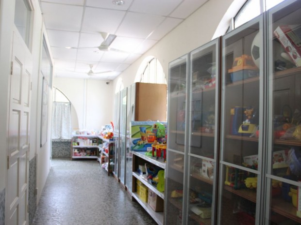 Resource library that is open to the public to borrow toys/teaching materials