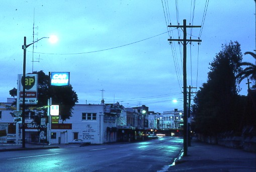 Avoca_Street,_early_morning,_Randwick,_New_South_Wales_-_Rand0010