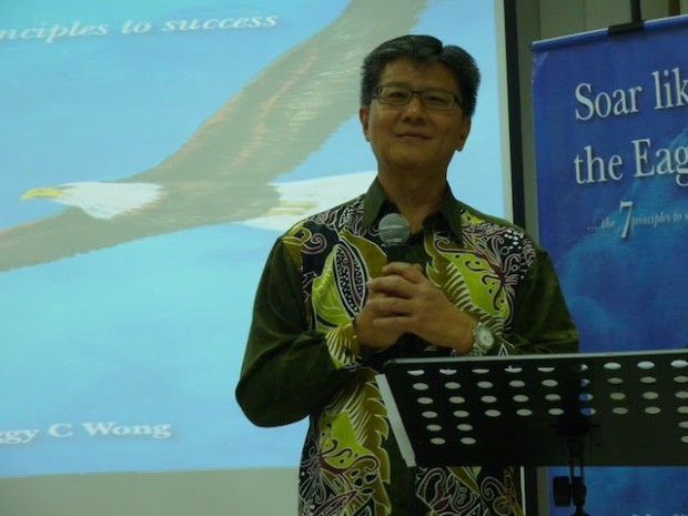 Erik Lai, the witty emcee of the book launch event