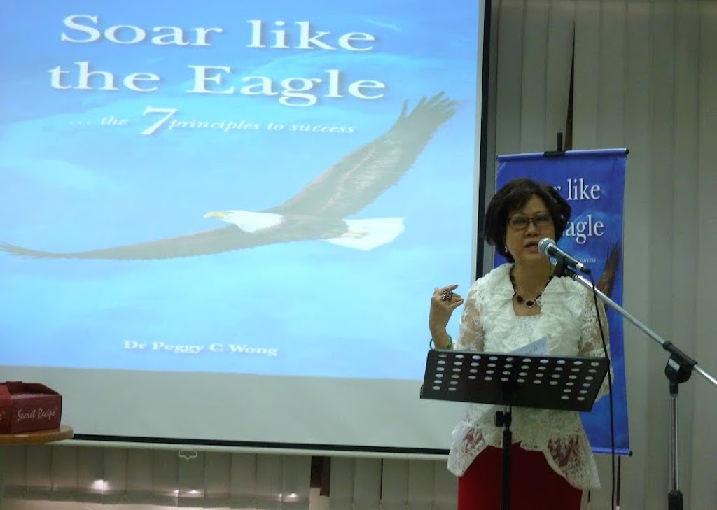Dr Peggy Wong sharing about the 7th book she has written, in the book launch