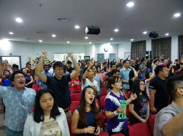 Worshippers who came from different churches for Worship Central