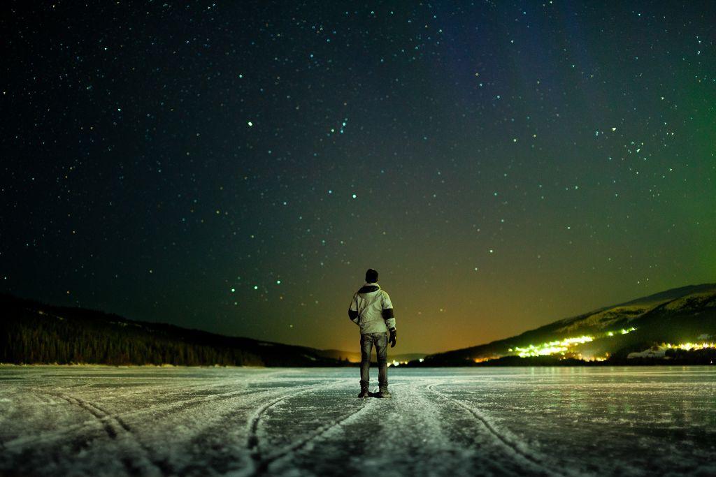 night-winter-sky-stars-river-ice-the-horizon-the-lights-man-mood-tilt-shift-tilt-shift