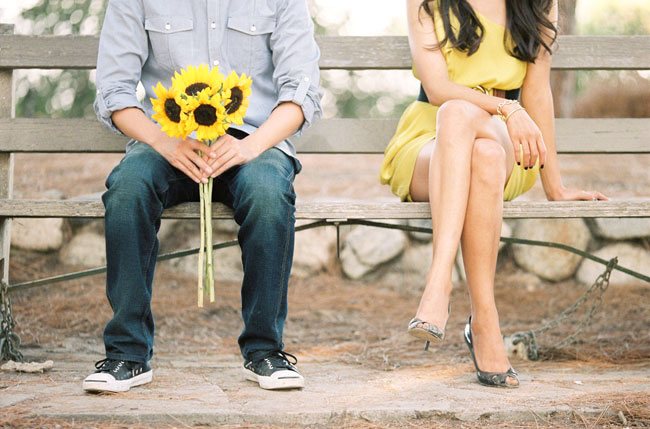 Ref: http://www.carolinetran.net/blog/wp-content/uploads/2011/09/los-angeles-engagement-photo-08.jpg