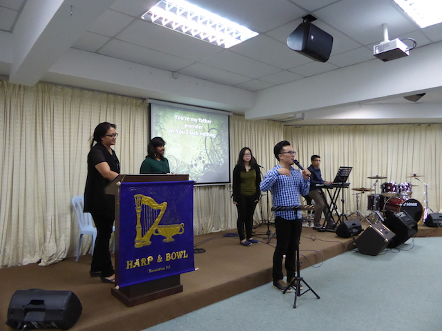 Pastor Josh teaching the Harp and Bowl model to the worshippers of Kajang AOG
