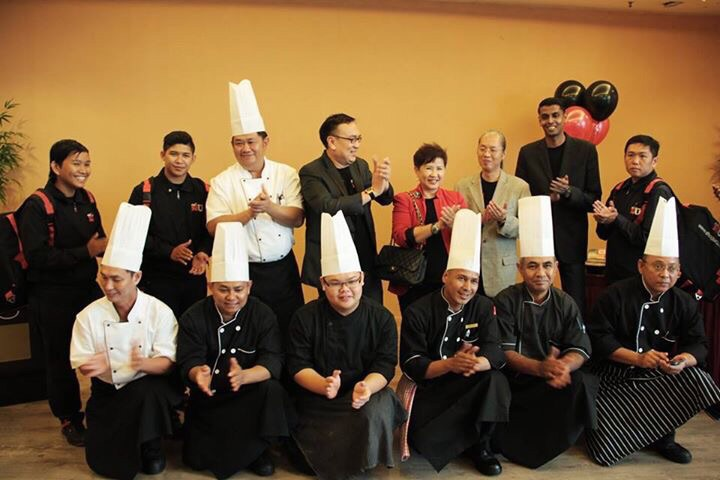 The dream team with Ruben (Back row, 2nd from right) and Nickque (Back row, 3rd from right)