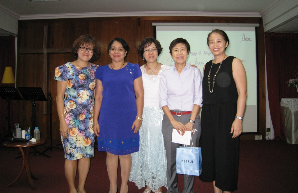 Dr Peggy Wong (middle) with the organising committee of the Beauty for Ashes workshop at Klang Baptist Church