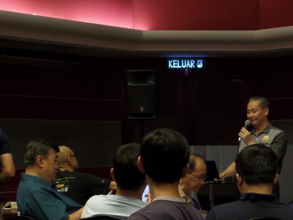 Bro Teo Wun Meng leading the session.