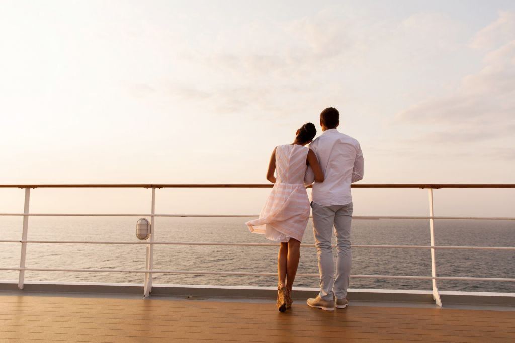 bigstock-rear-view-of-young-couple-stan-77729918-e1427904270375