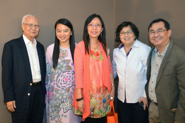Dato' Roland Wong (1st from left), YB Hannah Yeoh (2nd from left), YB Teresa Kok (3rd from left), and Dr John Ng (1st from right)