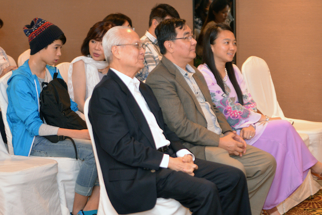 From left to right: Dato' Roland Wong, Dr John Ng, and YB Hannah Yeoh