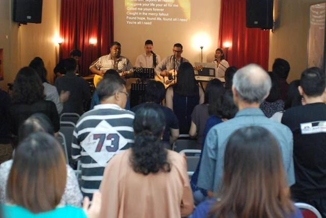 The Movement leading a passionate worship in Victory Church, Ara Damansara