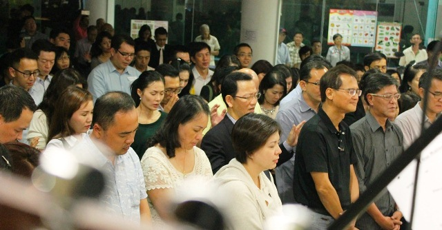 The attendees of the evangelistic dinner who accepted Christ having heard of the incredible healing hands of God