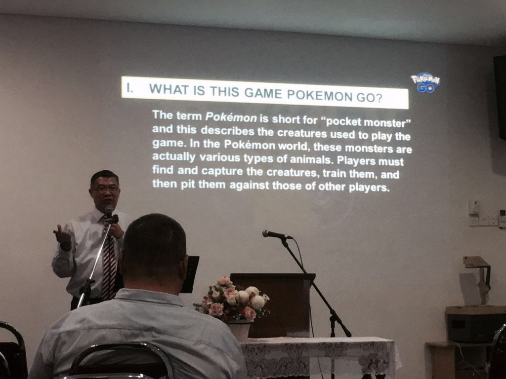 how should a christian go about dating Though tim and jess are christians, their dating and engagement never go that far this is a by other godly christians both of you should have a godly couple.
