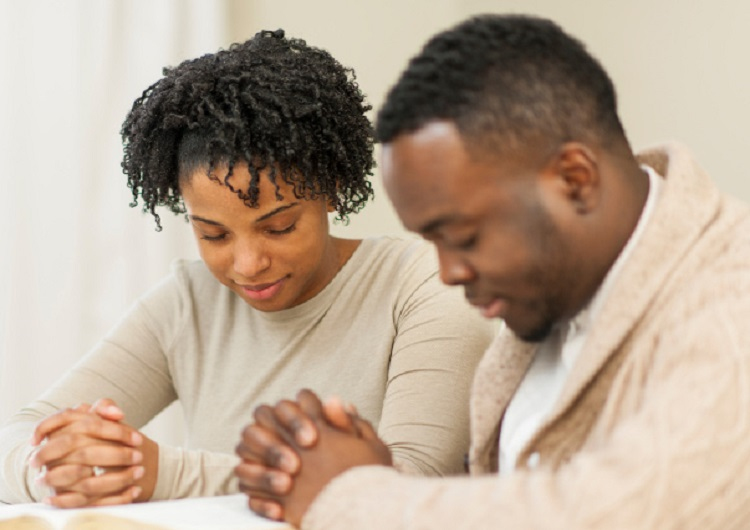 Dating couples praying together